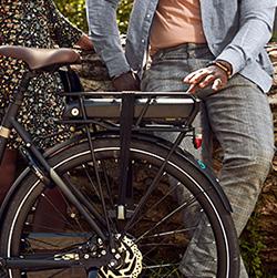 Accu in de bagagedrager van een Victesse e-bike