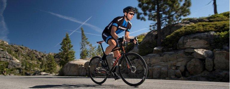 Header de racefiets: gemaakt voo snelheid