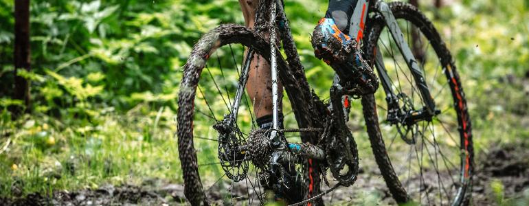 Header Een racefiets met noppenbanden?