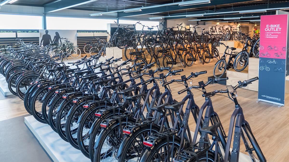 Een outlet vol elektrische fietsen